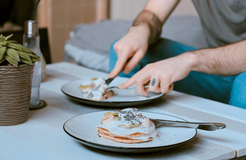 Comer despacio ayuda a reducir la posibilidad de sufrir obesidad