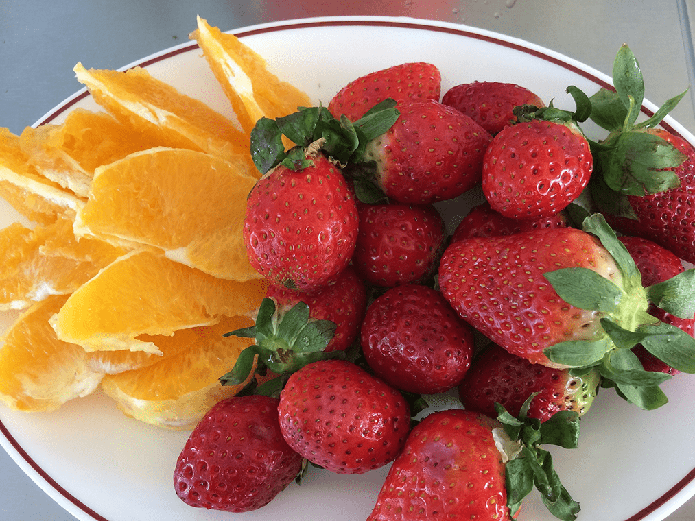 Las mejores ideas para tu 'brunch'. Carpaccio de fresas con naranja.